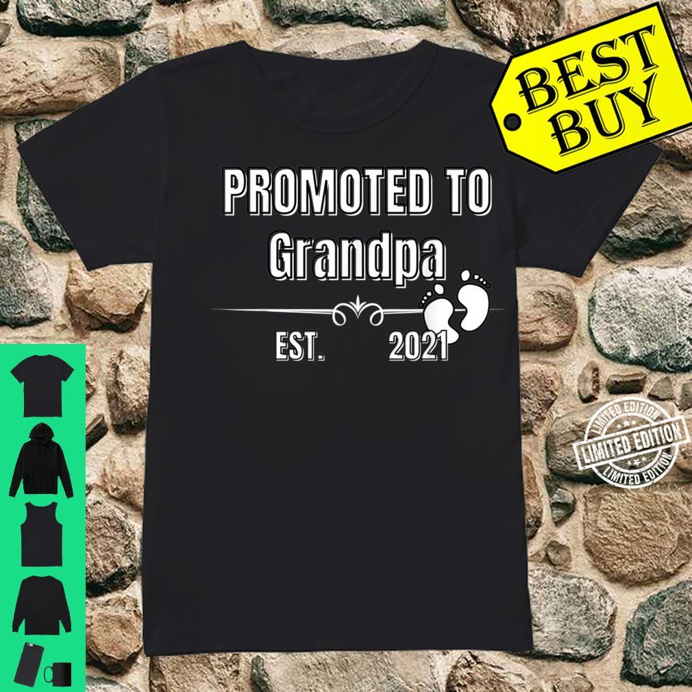 Baby Promoted to Grandpa Est. 2021 Shirt ladies tee